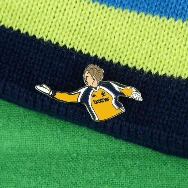 Weaver Wembley 99 Celebration Pin Badge